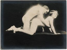 Photographie érotique. Tirage Original D'époque, C 1900.  Photographie D'une Très Grande Vigueur De Contraste  FG1005 - Erotic & Fine Nudes (...-1960)