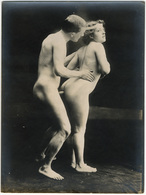 Photographie érotique. Tirage Original D'époque, C 1900.  Photographie D'une Très Grande Vigueur De Contraste  FG1018 - Erotic & Fine Nudes (...-1960)
