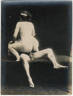 Photographie érotique. Tirage Original D'époque, C 1900.  Photographie D'une Très Grande Vigueur De Contraste  FG1021 - Erotic & Fine Nudes (...-1960)