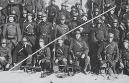 Photo Format Moyen ABL Peloton Mitrailleurs Mitrailleuse Fusil Mitrailleur FM Chauchat Belgische Leger Circa 1920 - Guerre, Militaire