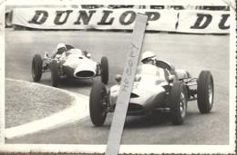Voitures 8 Et 22 (circuit De Pau) Cachet Du Photographe Au Verso - Cars