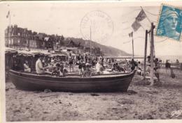 Villers Sur Mer La Plage Les Jeux ( Barque Sur Le Sable ( Avant 1953 - Villers Sur Mer