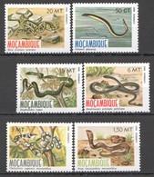 F483 1982 MOZAMBIQUE FAUNA REPTILES SNAKES #876-81 1SET MNH - Snakes