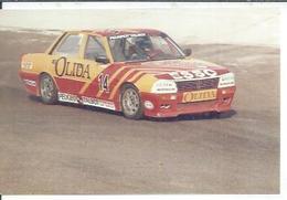 "PHOTO D'ARCHIVES : COURSE AUTOMOBILE - MONTLHERY 1986 -   "" 505 PEUGEOT TURBO  "" Pilote:  Pierre DE THUSTY - N° 14 - Montlhery"