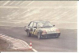 "PHOTO D'ARCHIVES : COURSE AUTOMOBILE - MONTLHERY 1986 -   "" PEUGEOT 505 TURBO "" Pilote: FREMONT - N° 19 - Montlhery"