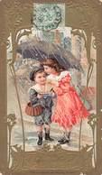 Chromo Dorée Gaufrée Biscuits Olibet - Art Nouveau - La Grele Enfants Parapluie Garçon Fille Fillette Cachet 1906 - Confiserie & Biscuits