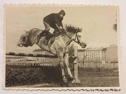 Photo Vintage. L'original. Courses Hippiques. Un Cheval. Hippodrome De Riga. Lettonie - Gegenstände