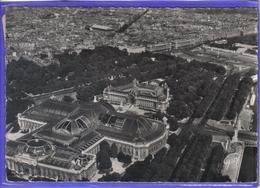 Carte Postale 75. Paris  Vue D'avion Par R. Henrard   Très Beau Plan - Frankrijk