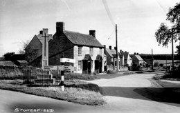 (146)  CP. Stonesfield   (Bon Etat) - Angleterre