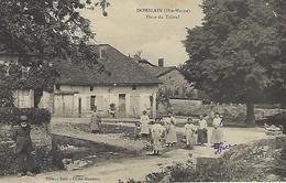 CPA DOMBLAIN  (HAUTE-MARNE) 52  - Place Du Tilleul  -  Animée - Frankrijk