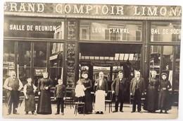 C. P. A. : 75 : PARIS : Café, Grand Comptoir LEON CHANAL, Rue D'Amsterdam (?), Animé, Timbre En 1910 - Cafés, Hôtels, Restaurants