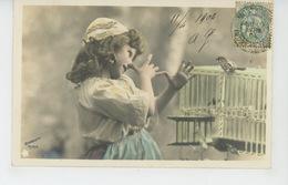 ENFANTS - LITTLE GIRL - MAEDCHEN - Jolie Carte Fantaisie Portrait Fillette Avec Oiseau Et Cage - Portretten