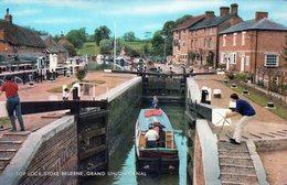 (146)  CP. Top Lock Stoke Bruerne Grand Union Canal  (Bon Etat) - England
