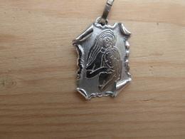 Med-395 Médaille-Ag  (poinçon ) Forme Parchemin La Vierge à L'Enfant - Religion & Esotericism