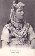 CPA   Costume Albanais    Femme Et Sa Parure De Bijoux   Belle Carte  Ed Parisiana  N° 41 - Albania