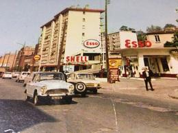 CHAVILLE. Station ESSO.  SHELL.  SIMCA ARONDE. Boulevard Salengro - Chaville