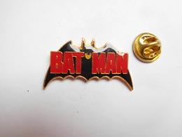 Superbe Pin's , Cinéma , Batman - Cine