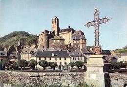 12 - Estaing - Le Château (XVe Et XVIe Siècles) Et La Croix Historique - France