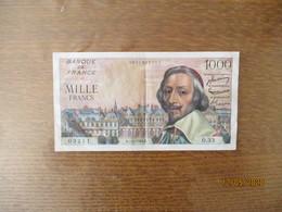 BANQUE DE FRANCE MILLE FRANCS RICHELIEU R.7-1-1954.R.   TRACE DE PLIURE AU MILIEU ET 6 PETITS TROUS D'EPINGLE - 1 000 F 1953-1957 ''Richelieu''