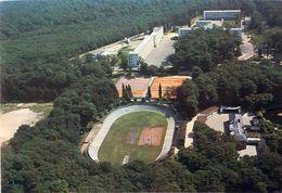 Cpm MONTARGIS 45 Le Lycée En Forêt Les Installations Sportives - Vélodrome, USM Tennis - Montargis