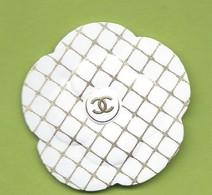 CHANEL CAMELIE * GOLD / WHITE  *2020 * 1 EXEMPL. - Cartoline Profumate