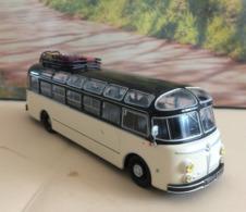 Bus-  Isobloc 648 DP - 1955 - échelle 1/43  Neuf Métal - Voir Photos (envoie Colissimo) - Utilitarios