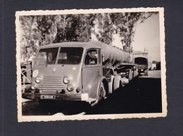 Photo Originale Vintage Snapshot Automobile Camion Citerne Renault Saviem  Militaire Algerie  ( 41564) - Automobile