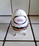 Oeuf En Porcelaine Décor Fleurs Fermeture Fleurs ( D'autres Sur Le Site) - Eggs