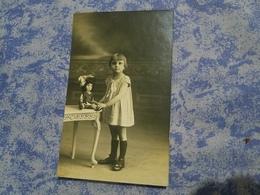 Photo Originale  Petite Fille Poupée Ancien Mode Ha It  Annee Circa 20 - Personnes Anonymes