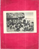 OCEANIE - ILE DU PACIFIQUE - Un Père Mariste Catéchise Les Jeunes Indigènes - 130520 - - Cartoline