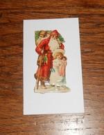 Découpi  XIXe. Un Père Noël Avec Une Petite Fille Et Sa Poupée. - Motivos De Navidad