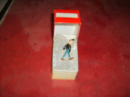 Pixi En Boite Avec Certificat Numéro Dans Le Couvercle Lucien - Figurillas