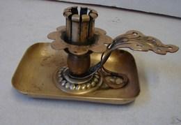 Lot. 1312. Bougeoir Autrichien En Laiton Avec Bague De Serrage De Bougie Et Monogrammé - Lamps