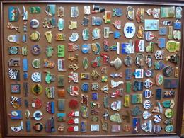 Lot De 156 Pin's - Badges