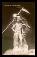 GUERRE 14/18 - SCULPTURE DE J.G ACHARD - LA MORT ET SON HUSSARD - War 1914-18