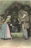 AUDINAC Les BAINS  La Buvette  Jeune Femme En Costume Local Et Grand Père Barbu  Avec Un Canotier Colorisée RV - Frankreich