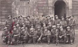 Militaria Guerre 1939-45 Groupe De Soldats Français Avec Uniformes Anglais Et Fusils Mitrailleurs  Brem - War 1939-45