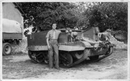 THENEZAY CARTE PHOTO 11 MAI 1945 CHAR BLINDE - Thenezay