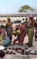 1 AK Belgisch-Kongo Heute Demokratischen Republik Kongo * Leopoldville Marktszene - Heute Kinshasa HOA-QUI Karte 2537 * - Kinshasa - Léopoldville