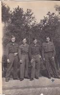 Photographie Militaire Force Française Allemagne 4 Soldat De L' Armée De L'air ? Baden Baden 1948 - Guerra, Militari