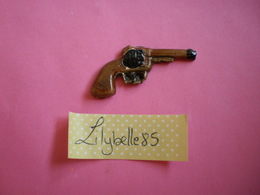 Feve PERSO Ancienne Artisanale MARLENE - REVOLVER ( Feves Figurine Miniature ) Rare - Antiguos