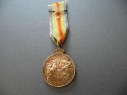 Médaillette Souvenir Anciens Combattants De Tournai - 1914-18