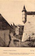 CPA 71 MACÔN - Ancienne Rue De L'oratoire, Avec L'entrée De La Voûte Des Gîtes Ou Porche Châtillon : Dessin De Perret - Macon