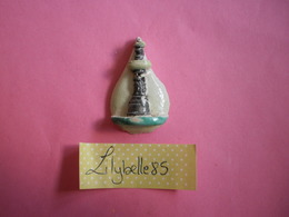 Feve PERSO Ancienne Artisanale PAGIS - FONTAINE - PATISSERIE LEROY - BEAUVAIS ( Feves Figurine Miniature ) Rare - Antiguos