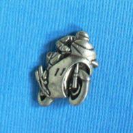 1 PIN'S //  ** MOTO / '3D ** . (PETIT©) - Motorfietsen