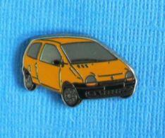 1 PIN'S //  ** RENAULT TWINGO ** . (Pichard) - Renault