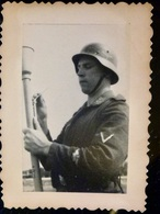 GERMAN Photo WW2 WWII ARCHIVE : LUFTWAFFE Av PANZERFAUST    //1.10 - Guerre, Militaire