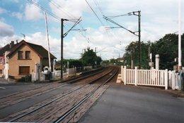 PHOTO 15 X 10 DE LOOS EN GOHELLE PASSAGE A NIVEAU - France