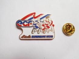Superbe Pin's En EGF , Moto , ECF , Ecole Supérieure Moto , Signé ICP Communication - Motorfietsen