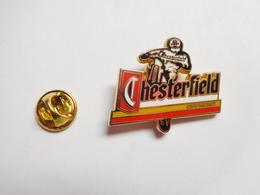 Superbe Pin's En Zamac , Moto , Off Road , Tabac Chesterfield - Motorfietsen